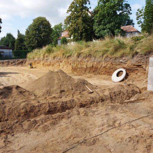 Budowa boiska przy strzegomskim ogólniaku
